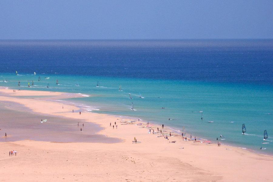 Канарским островам рекомендовано полностью перейти на возобновляемую энергетику через 30 лет