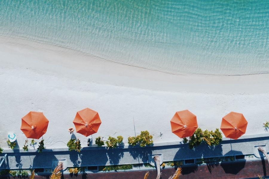 Власти Балеарских островов запретят продажу одноразовых пластиковых предметов к 2020 году