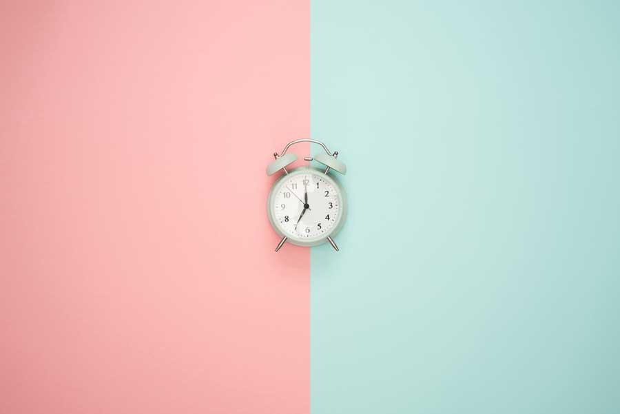 В Евросоюзе планируют больше не переводить часы на зимнее время