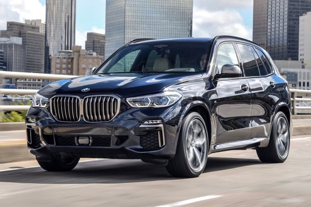 2019 BMW X5 M50d blue front driving