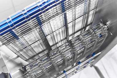 Прямой конвейер с металлической сеткой