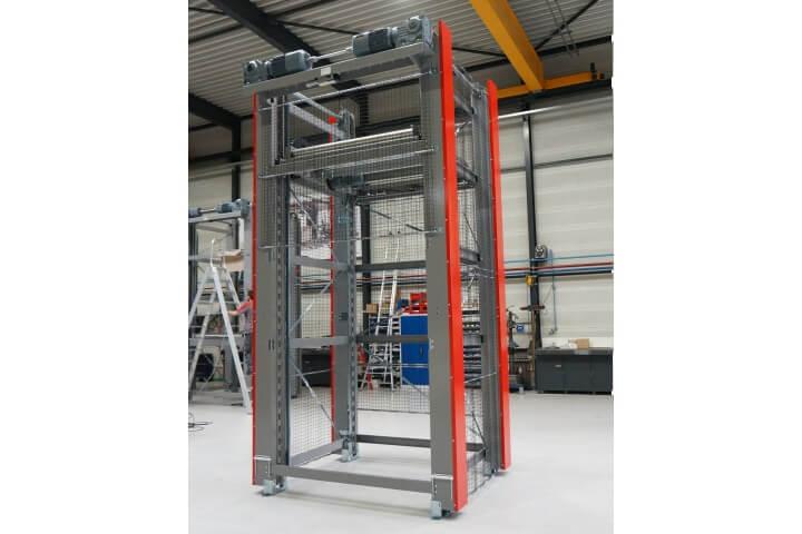 Вертикальный лифтовый конвейер