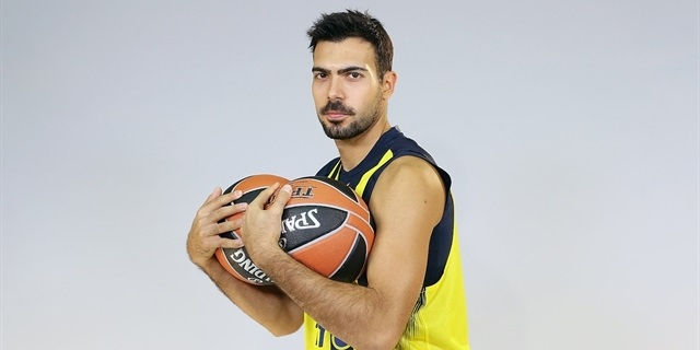 Sloukas al Fenerbahçe per altri tre anni