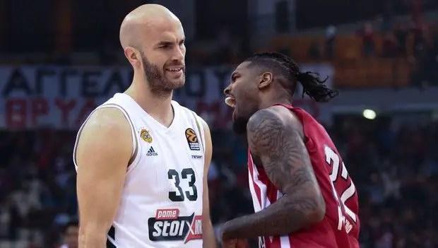 Il sorriso dell'Olympiacos, e le accuse del Panathinaikos. Non se ne esce