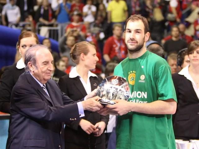 vassilis-spanoulis-mvp-panathinaikos-champ-2008-09-final-four-berlin-2009