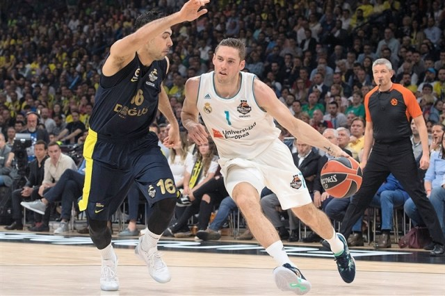 fabien-causeur-real-madrid-belgrade-2018-eb17