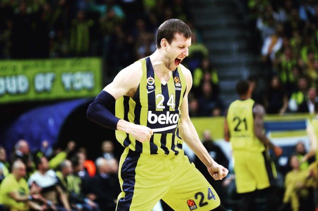 Eurodevotion-Backdoor Podcast LIVE.  Playoff, Virtus e premi stagionali