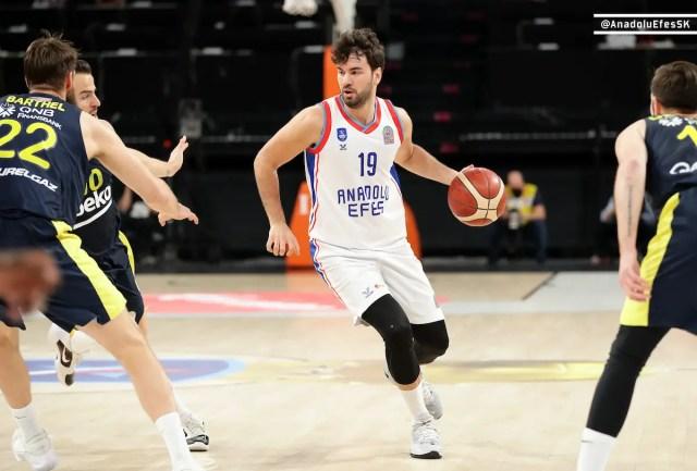 Super Ligi Finals, l'Efes supera il Fener anche in gara 2 e si porta ad un passo dalla vittoria del campionato.
