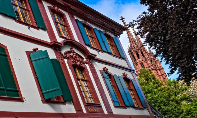 Fachadas antigas na Basileia