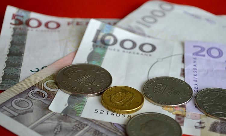 Notas e moedas suecas