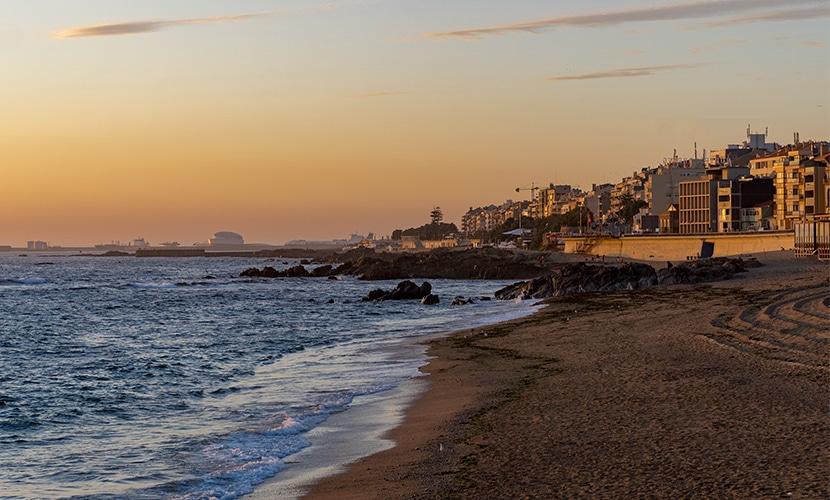 Praia de Matosinhos nos arredores do Porto