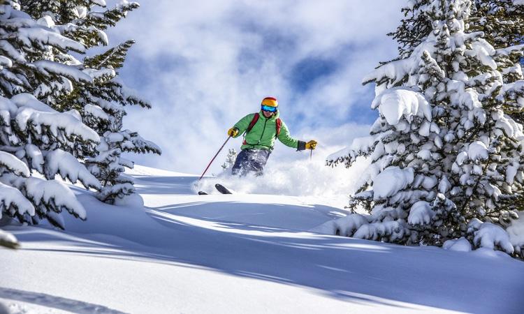 Prática de esportes na neve