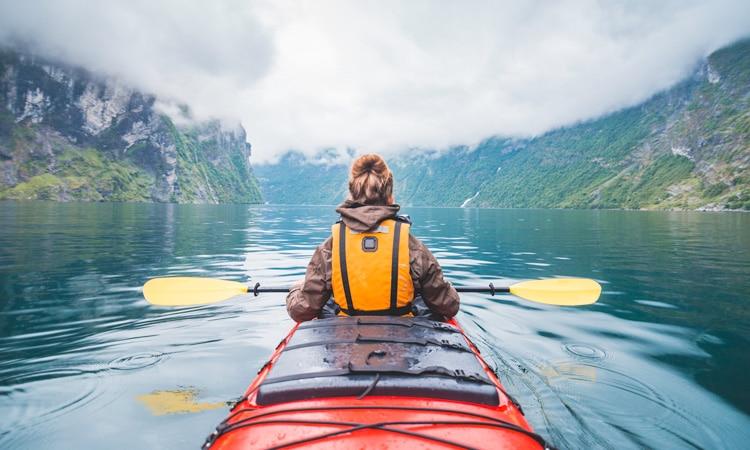 seguro viagem esportes radicais canoagem