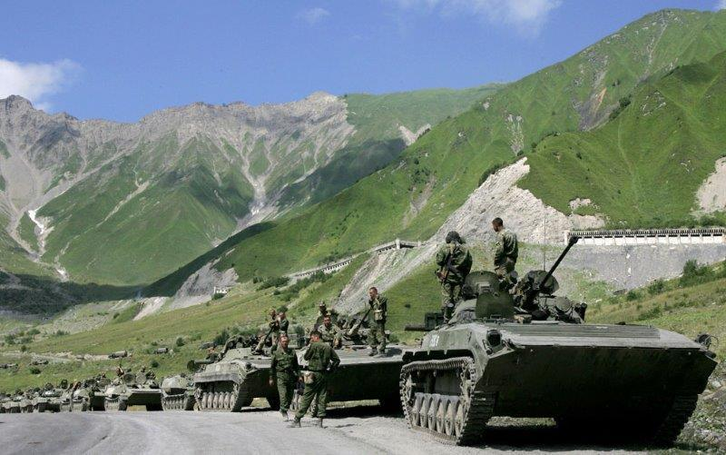 Battalion of Russian army on a way to Georgia, 9 August 2008