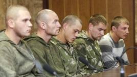Ende August in der Ukraine gefangen genommene Fallschirmjäger aus Kostroma