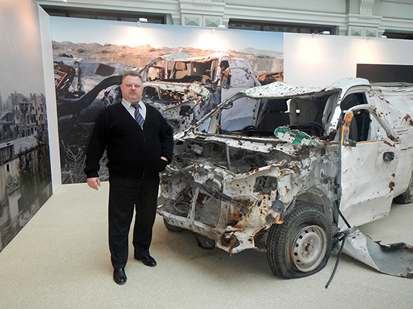 Vladislav Shurigin at a Material Evidence exhibit in Moscow