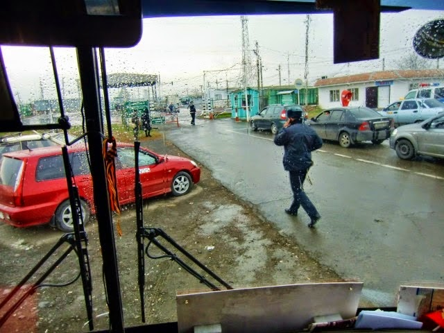 """The """"observers"""" arriving to the Russia-Ukraine border in Kuybyshevo"""