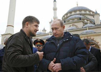 Ramzan Kadyrov and Vladimi Putin. (c) AP/Scanpix
