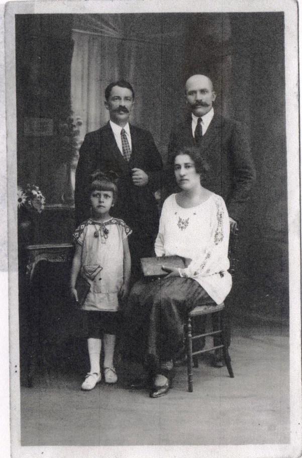 1927 Famille Yamkovij et Ivan Dobrovolsky