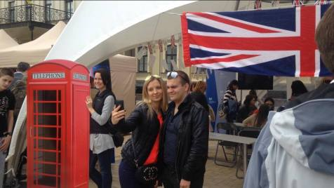 Ukrainians taking selfies at the British stand at Mykhaylivska Ploshcha, Kyiv, 21 May 2016, Days of Europe celebration. Photo by: Euromaidan Press