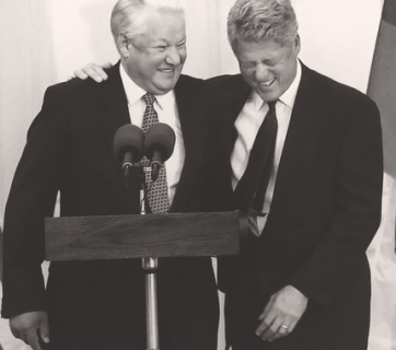 Boris Yeltsin and Bill Clinton. Yeltsin's policies of the early 1990s reflected the Russian society's desire for closer relationship with the West. (Image: AFP)