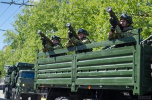 Troops of the Russian occupation force on parade in Sevastopol, Crimea on May 9, 2016 (Image: sevas.com)