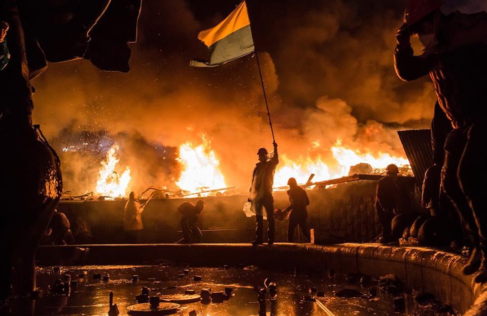 Euromaidan+Flag+Flames