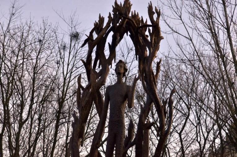 A monument to Bohdan-Ihor Antonych was opened in Lviv. Photo: velychlviv.com