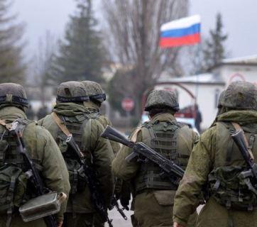 Unmarked Russian troops near Perevelnoye in Crimea in 2014. Photo: AFP