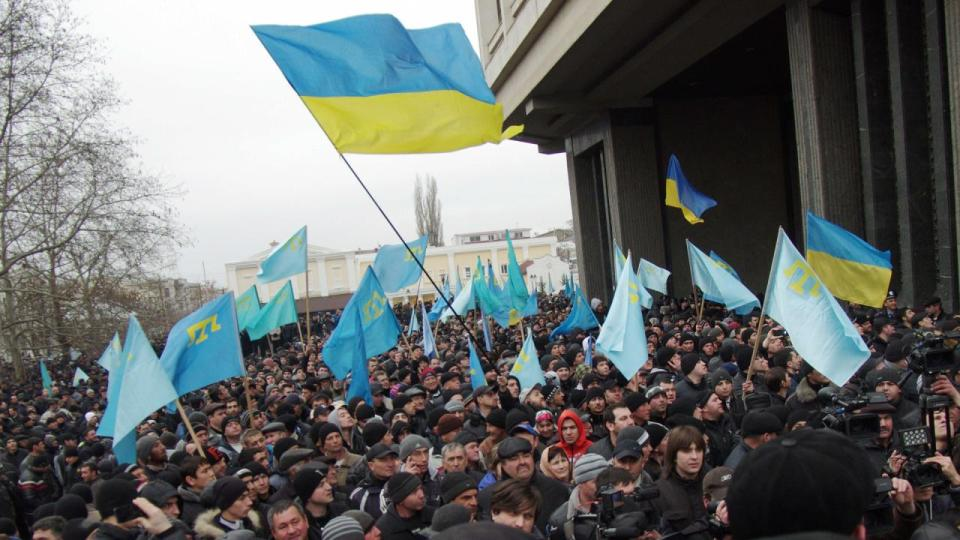 Rally in support of Ukraine's territorial integrity on 26.02.2014 in Simferopol. Photo: Depo.ua