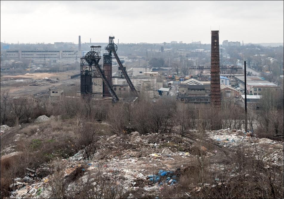 Smolyenka Coal Mine in the Russia-occupied city of Donetsk near the frontline in the Donbas, Ukraine (Image: Viktor Mácha / viktormacha.com)