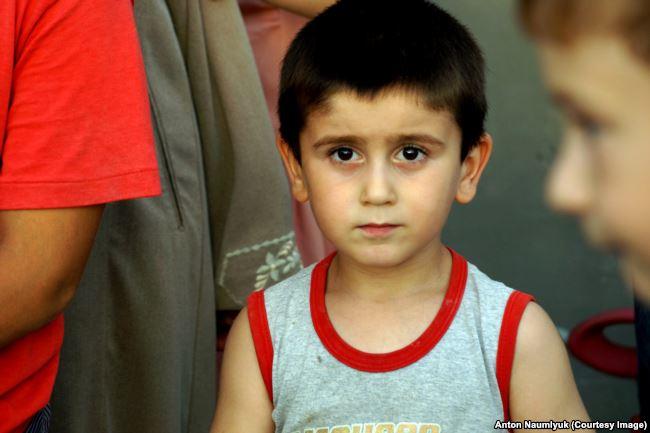 Son of Enver Mamutov, another Crimean Muslim prisoner of the Kremlin. Photo: Anton Naumlyuk