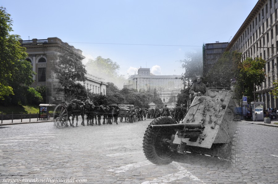 Kyiv 1941/2012. German gun on Stalin Square (now European Square). Collage: Sergey Larenkov (Livejournal)