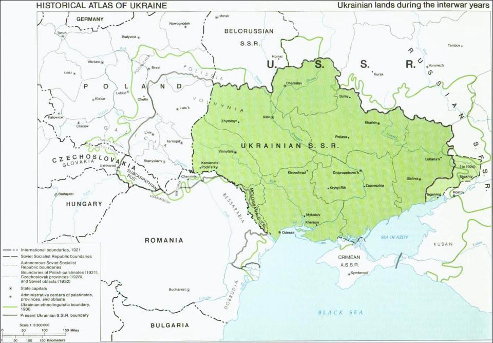 "Ukrainian lands during 1922-1938. Volyn and Galicia become part of Poland. Photo: ""Ukraine: A Historical Atlas by Paul Robert Magocsi (1987)"", courtesy of Toronto Press, University of Toronto."