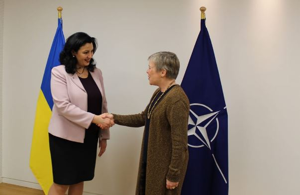 Ukraine's Euroatlantic integration representative Ivanna Klympush-Tsintsadze met with NATO Deputy Secretary General Rose Gottemoeller on 9 March 2018. During this meeting, Ukraine's NATO aspirant member status was recignized. Photo: press service of Klympush-Tsintsadze