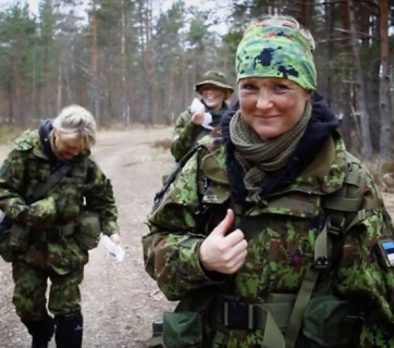 More ethnic Russians are joining the ranks of the Kaitseliit, the Estonian Defense League (Image: spektr.press)