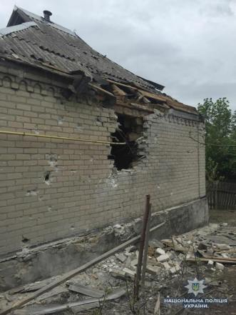 Consequences of a night fire attack on the village of Loskutivka in Luhansk Oblast, ruining 2 homes, damaging 6. Photograph: Facebook/pressjfo.news