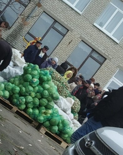 Cheap vegetables for voters on sale near a polling station. Donetsk, 11 November 2018. Source: Twitter/lifeinternet165
