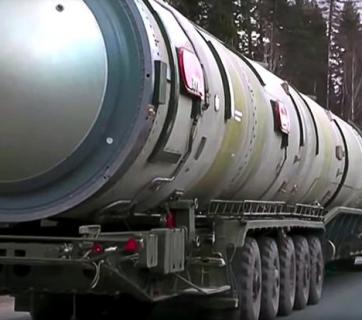 Russian RS-28 Sarmat (NATO reporting name SS-X-30) is a Russian liquid-fueled, MIRV-equipped, superheavy thermonuclear armed intercontinental ballistic missile, in development by the Makeyev Rocket Design Bureau since 2009. It is intended to replace the old R-36M missile (SS-18 Satan). (Photo: video capture from the Russian Ministry of Defense / TASS. Caption: Wikipedia)