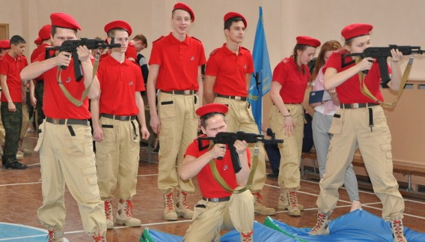 "Weapons training of local Youth Army troops in the city of Lyubertsy near Moscow, Russia. The Russian Defense Ministry founded the ""Youth Army"" troops for children from 8 to 18 years old in 2016. (Photo: lubertsyriamo.ru)"