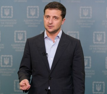 "Ukrainian President Volodymyr Zelenskyy addressing the Ukrainian people about his government agreeing to the Kremlin-demanded ""Steinmeier formula"" for the Donbas. Kyiv, October 3, 2019 (Photo: president.gov.ua)"