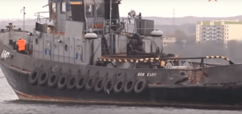 Ramming damage on the Yany kapu tugboat. Screenshot: Youtube/Zvezda