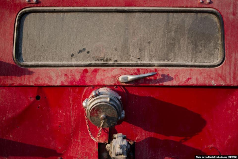 Fire door after change. The fleet of fire trucks in the Zhytomyr region consists mainly of elderly ZILs