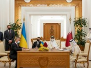 Ukraine's Acting Minister of Energy Yuriy Vitrenko and Qatar's Minister of State for Energy Saad bin Sherid Al- Kaabi sign a memorandum of understanding in April 2021 (Source: Ministry of Energy of Ukraine)