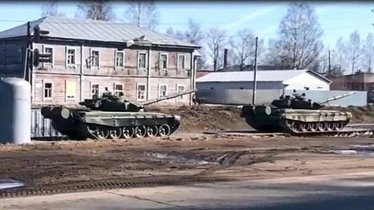 Russian tanks in Voronezh Oblast that borders on the north of Ukraine's Luhansk Oblast amid Russia's massive military buildup near Ukrainian borders. Early April 2021. Screenshot via CIT Team