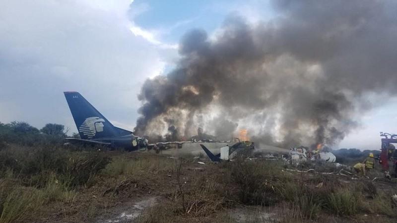 Accidente Aereo en Mexico con 103 supervivientes