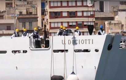 """Italia insta a la UE a encontrar una solución para los inmigrantes rescatados por el buque """"Diciotti"""""""