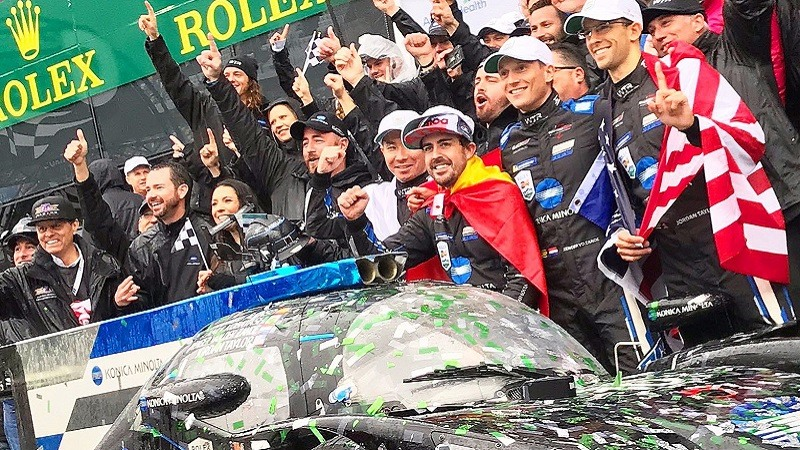 Fernando Alonso gana las 24 horas de Daytona