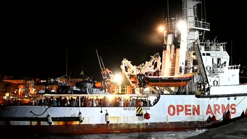 Open Arms Desembarca en Lampedusa