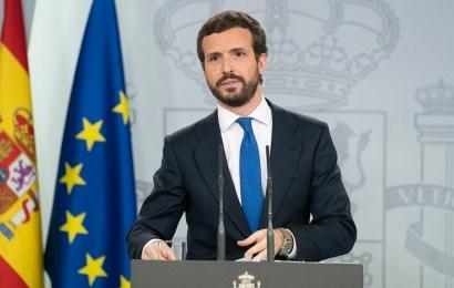 """Casado ofrece a Sánchez un """"Compromiso por España"""" para que los PGE no dependan de los independentistas"""